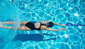 nageuse en coulée